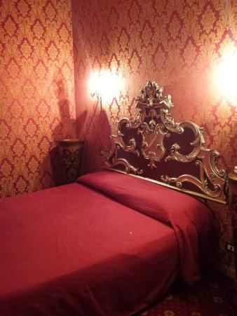 Residenza Ave Hotel : Chambre