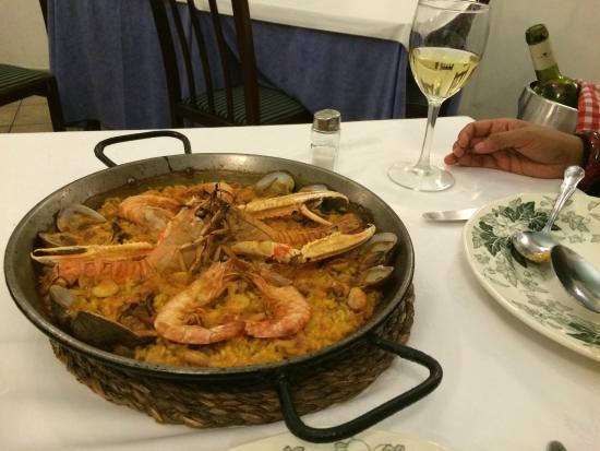 El Pato Mudo: Great Paella