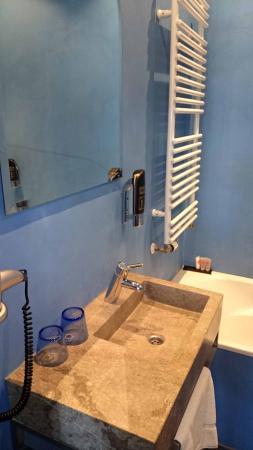 Cityden Museum District City Suites: bagno camera comfort