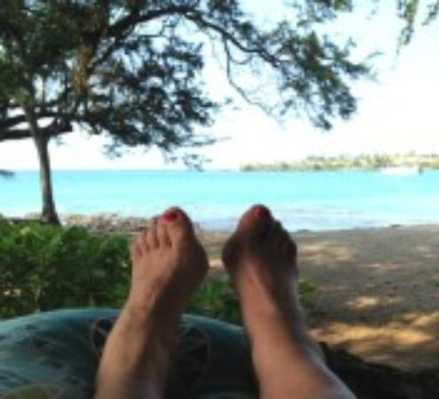 Lava Lava Beach Club Cottages: Relaxing on lanai of our bungalow