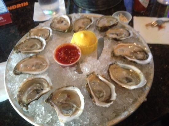 Marriott's Legends Edge at Bay Point: Oysters and dunset. How good is this!