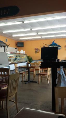 Captain Jim's Seafood Market Restaurant: Seafood Market