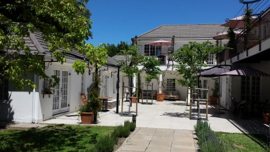 Constantia White Lodge: patio
