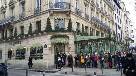Hotel le Colisee: close to Laudaree cafe