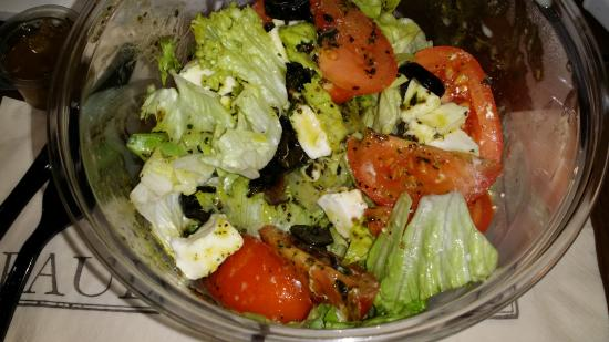 Hotel le Colisee: salads from the bakery down the block