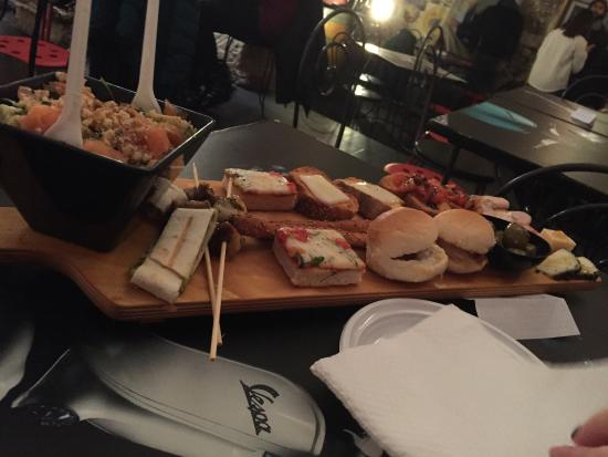 Vespa Cafe: Tagliere aperitivo x 2 persone