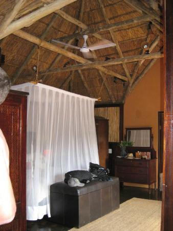 Amakhala Game Reserve: Inside out cabin
