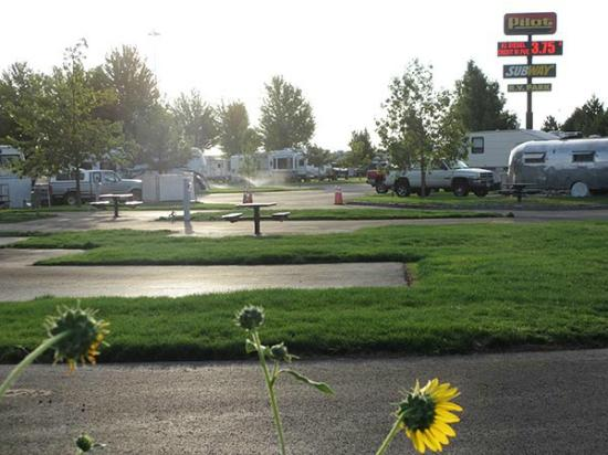 Stanfield, OR: Clean modern park