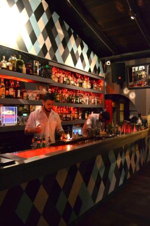 Ph Public House Bar: Barra Ph