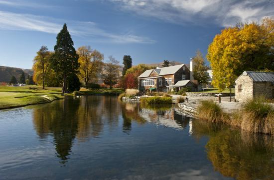 Millbrook Resort: The Millhouse Restaurant in Autumn