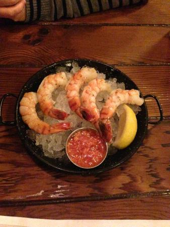 Pismo's Coastal Grill: shrimp cocktail