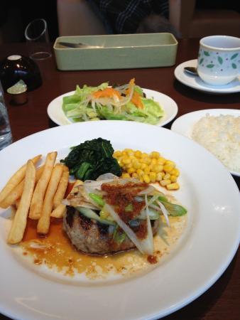 Denny's Higashi-Gotanda