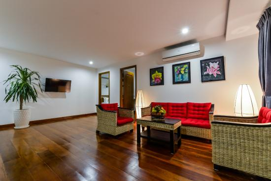 Family suite picture of the sam boutique hotel phnom for Best boutique hotels phnom penh