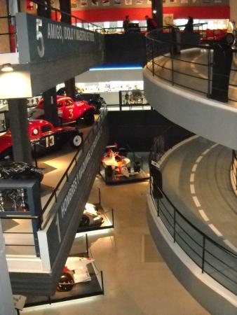 "Juan Manuel Fangio""s Museum: parecen pistas de automovilismo!"