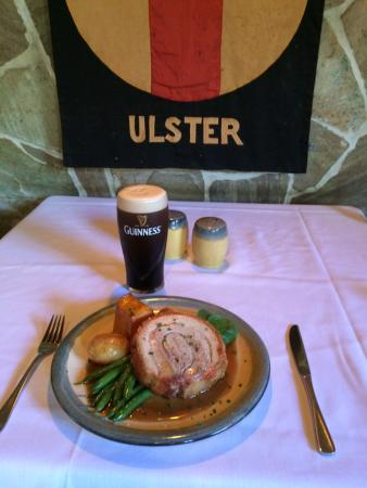 D'Arcy Arms Motel: Sunday Roast pork & a pint of Guinness