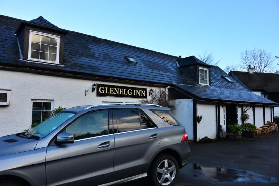 The Glenelg Inn: Front of the Inn