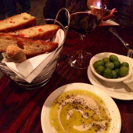 Caffe Bella: Best wine and appetizers!