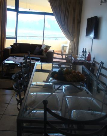 Strand Pavilion Resort : Spacious living areas with balcony and braai area