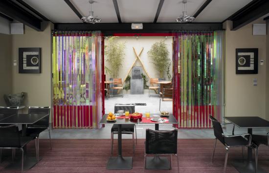 Hotel Porte de Versailles: Salle de petit-déjeuner