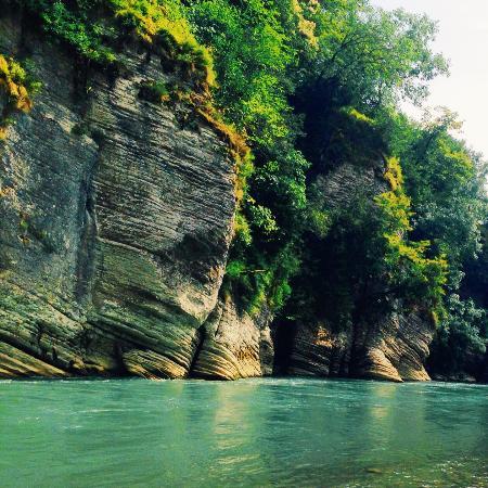 River Mzymta: Река