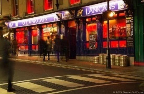 Lanigans Hostel : Lanigan's bar