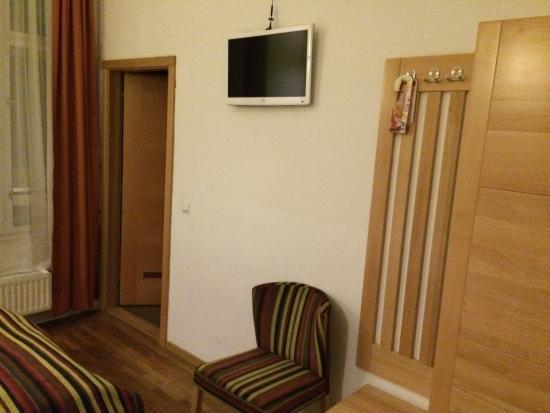 Hotel Mocca: Tv