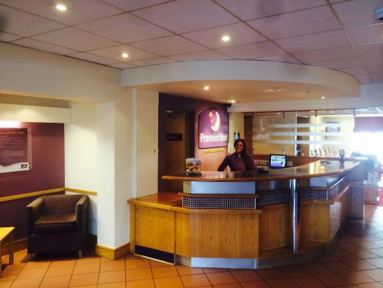 Premier Inn Livingston (Bathgate) Hotel: Reception
