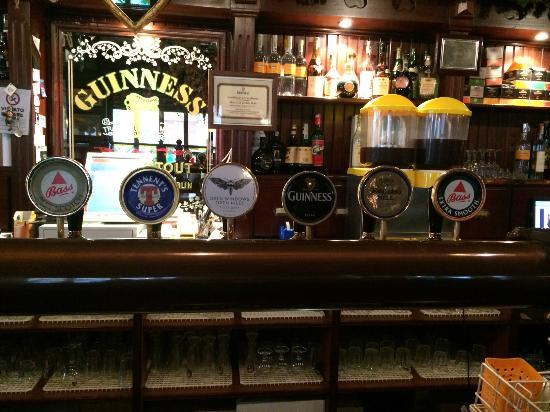 Sisten Irish Pub: spine