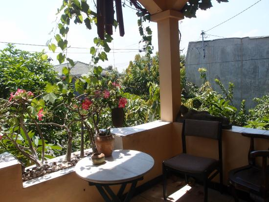 Homestay Heru: One of the balconies at the front of the house