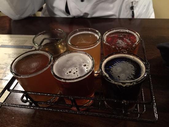 Big Bear Lake Brewing Company : Chopp artesanal são 6 tipos