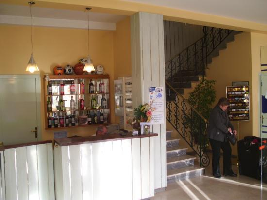 Europ'Hotel: Reception area