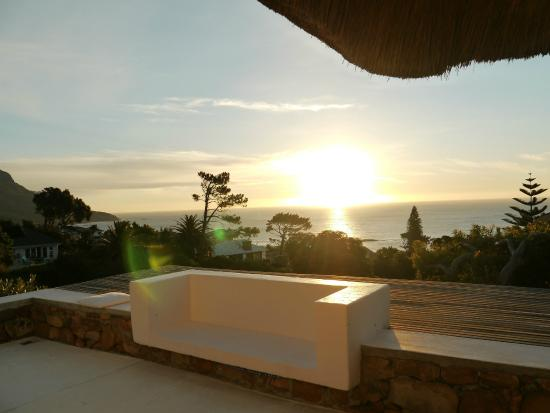 Camps Bay Ridge Guest House : Sonnenuntergang oberhalb des Pools