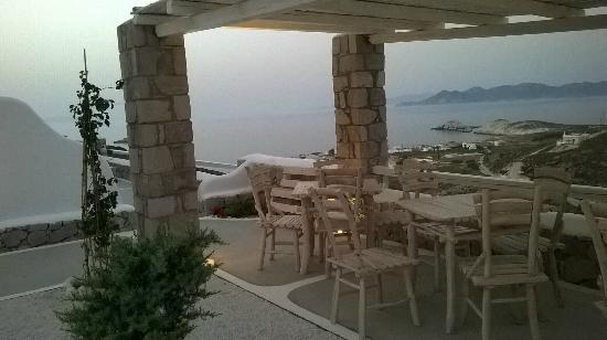 Milo Milo Suites & Family Houses: Breakfast area view!!!!!!