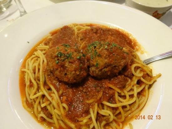 Cecilia's Pizza & Italian: Spaghetti Matballs