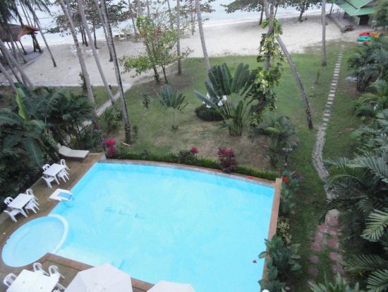 Grand Sea View Hotel: Вид на бассейн отеля