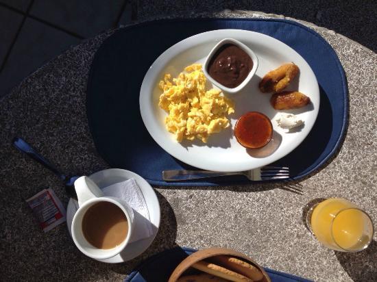Dai Nonni Hotel: Lokaal ontbijt
