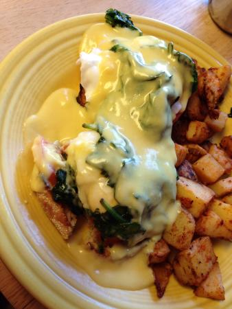 Sunrise Cafe: Eggs Florentine