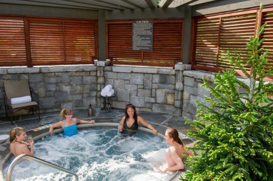 Girlfriend getaway in falls pool jacuzzi picture of old for Best spas for girlfriend getaway