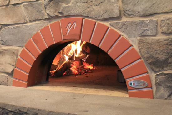 Luisa's Cucina Italiana : Wood-fired Oven