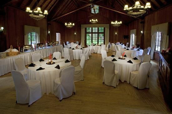 Lake Quinault Lodge Ballroom Private With Elegant And Rustic Charm Hardwood Floors