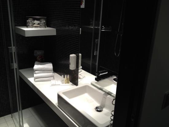 Tallink Hotel Riga: Bathroom room 613