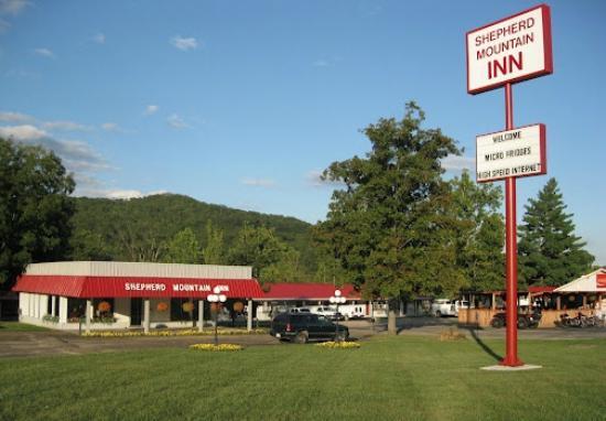 Ironton, MO: Beautiful Arcadia Valley Shepherd Mountain Inn & Suites