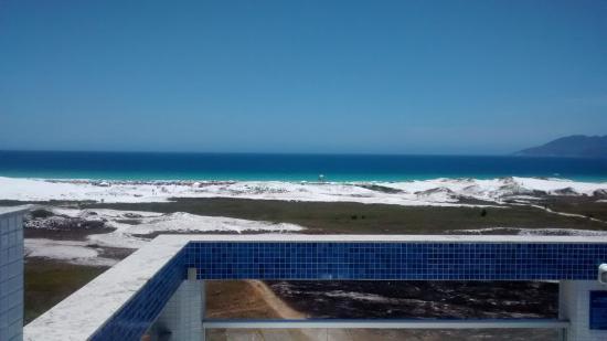 Hotel Balneario Cabo Frio : Vista da área recreativa - piscina