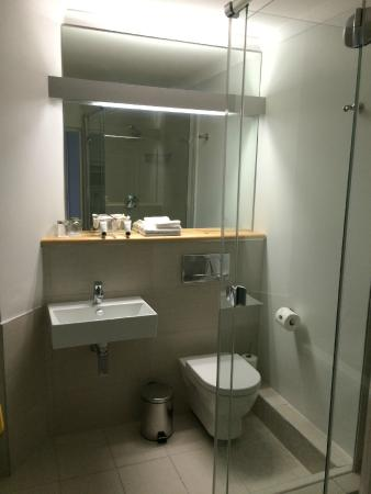The Riverside Hotel : Bathroom