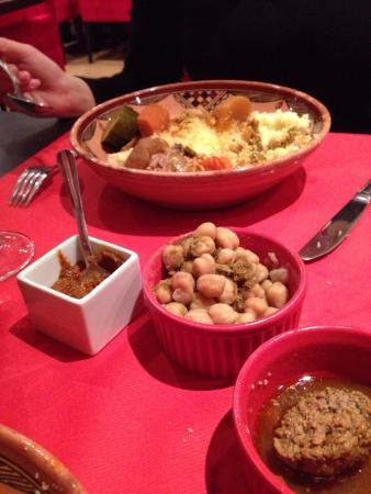 Le Berbere : Couscous  Accueil  Très bien  Bon simple  Dépaysement et changement ! Le changement pour un