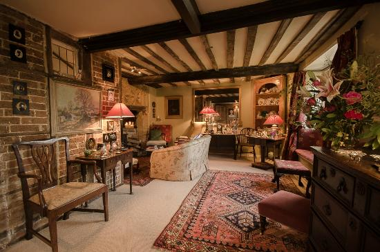 Tudor Cottage Bed & Breakfast: Sitting Room, Tudor Cottage B & B