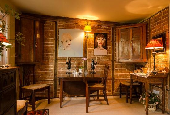 Tudor Cottage Bed & Breakfast: Dining Area, Tudor Cottage B & B