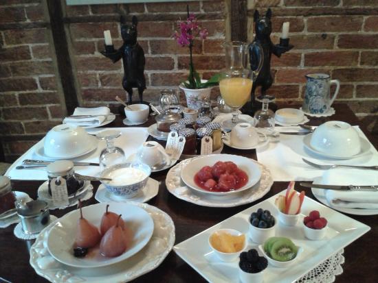 Tudor Cottage Bed & Breakfast: Breakfast, Tudor Cottage B & B