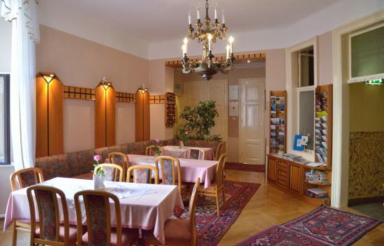 Schweizer Pension: Frühstücksraum