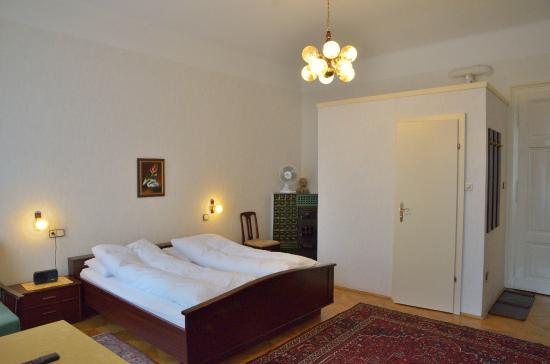 Schweizer Pension: Double room with private shower/ toilet